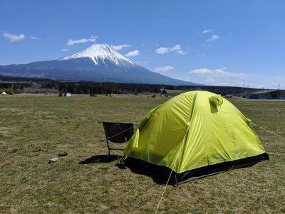 テントと椅子と富士山