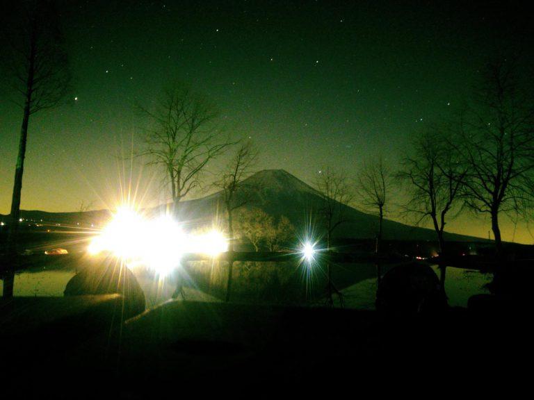 夜の逆さ富士