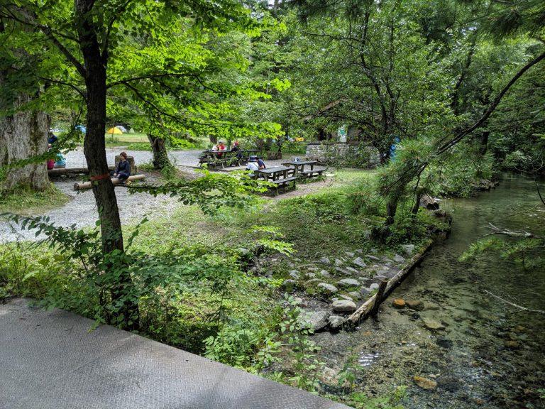 徳沢園横の川