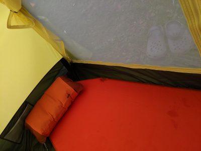 テント内のマット