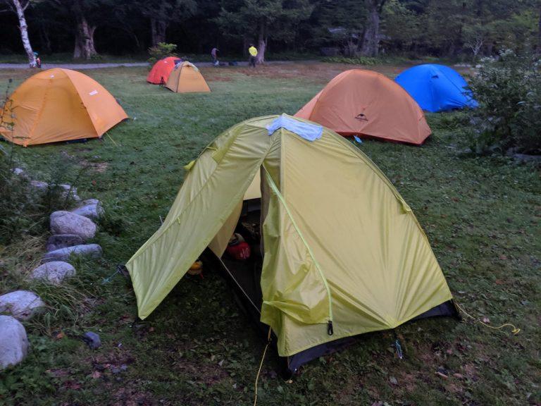 ぐっしょり濡れたテント