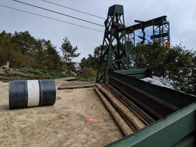 合戦小屋の荷揚げ用ケーブル施設