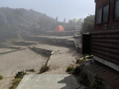 テント場奥のスペース