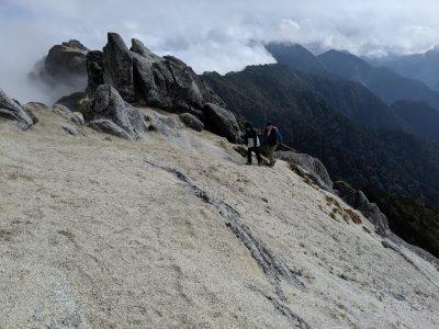 北燕岳山頂