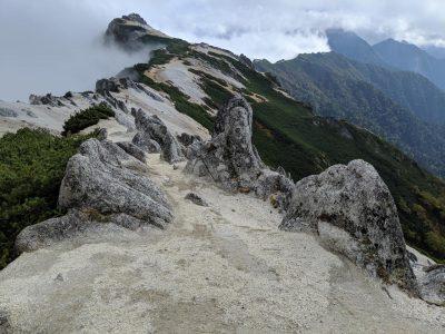 北燕岳から燕山荘への道