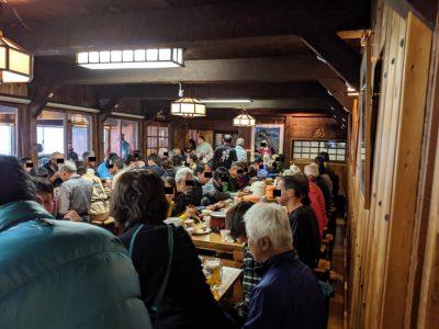 夕食時の食堂