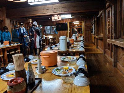朝食時の食堂