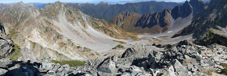 涸沢岳から見るカールパノラマ