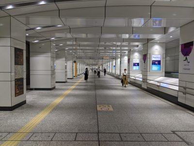 西新宿地下通路