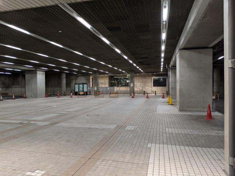 都庁地下駐車場