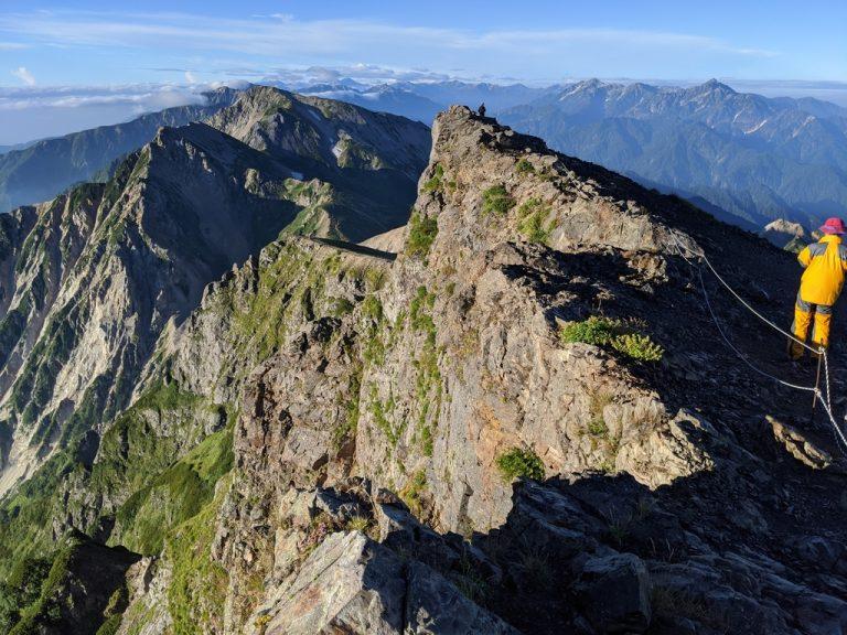 白馬岳 東側の断崖絶壁