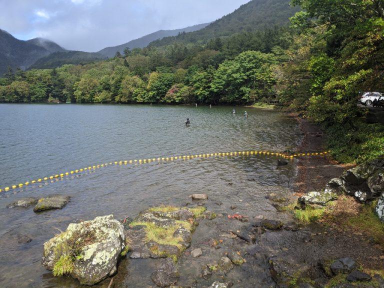 湯滝の上の湯ノ湖