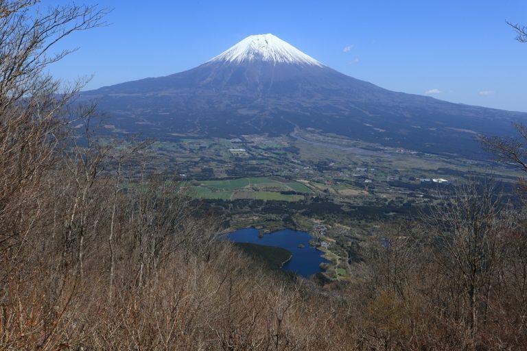 長者ヶ岳から見える富士山と田貫湖