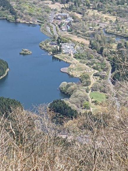 長者ヶ岳から見える田貫湖キャンプ場