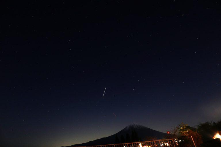 富士山の上の春の大曲線