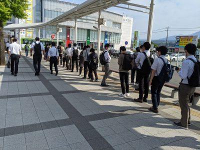 韮崎駅バス乗り場