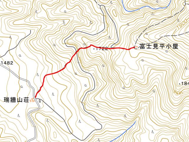 瑞牆山荘から富士見平小屋までの地図