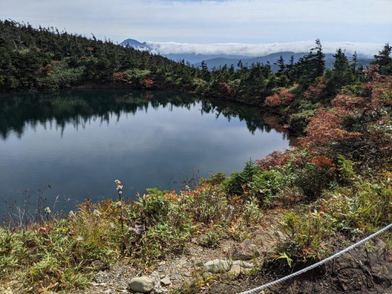 鏡沼から見える岩手山