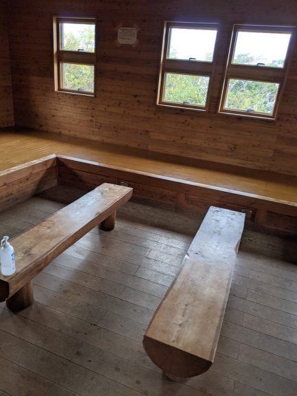 茶臼山荘内部