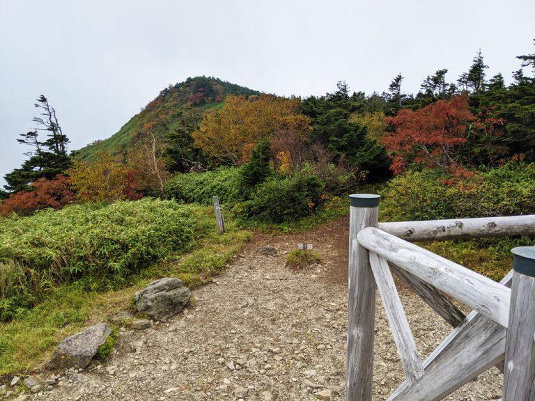 茶臼山荘から見た茶臼岳