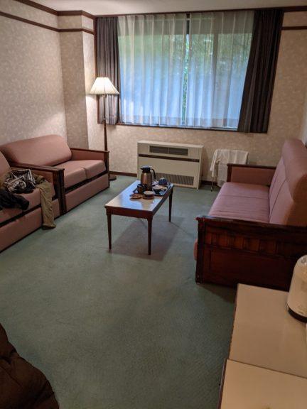 八幡平マウンテンホテル 朝の客室
