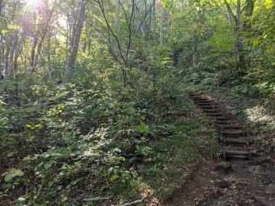 三ツ石山登山口近く